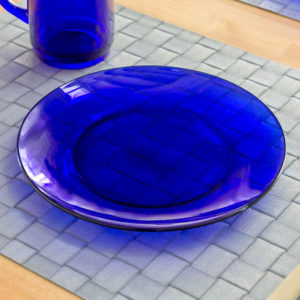 サファイア色の食器