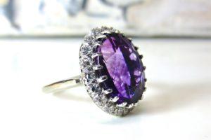 紫色の小物