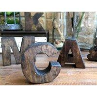 アルファベットの木製の型